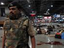 孟买火车站枪击现场警戒