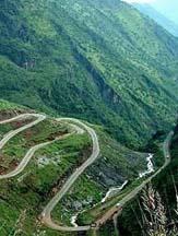 行走死亡边沿 中国最险6大自驾路线