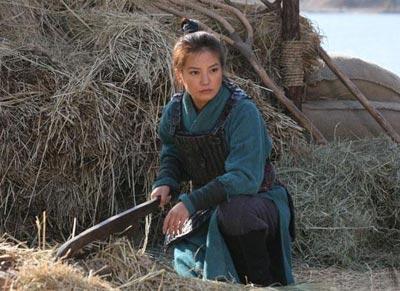赵薇在《花木兰》中过的似是行军生涯。