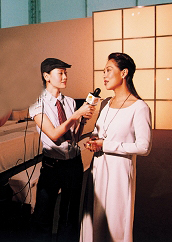 Chanel亚太区形象总监郭志怡接受电视台访问