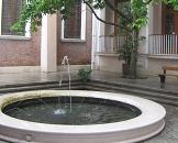 文学院喷水池